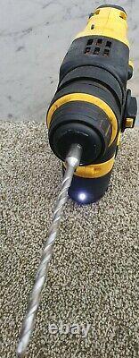 DeWalt 18V sds three mode hammer drill +4ah battery DCH213
